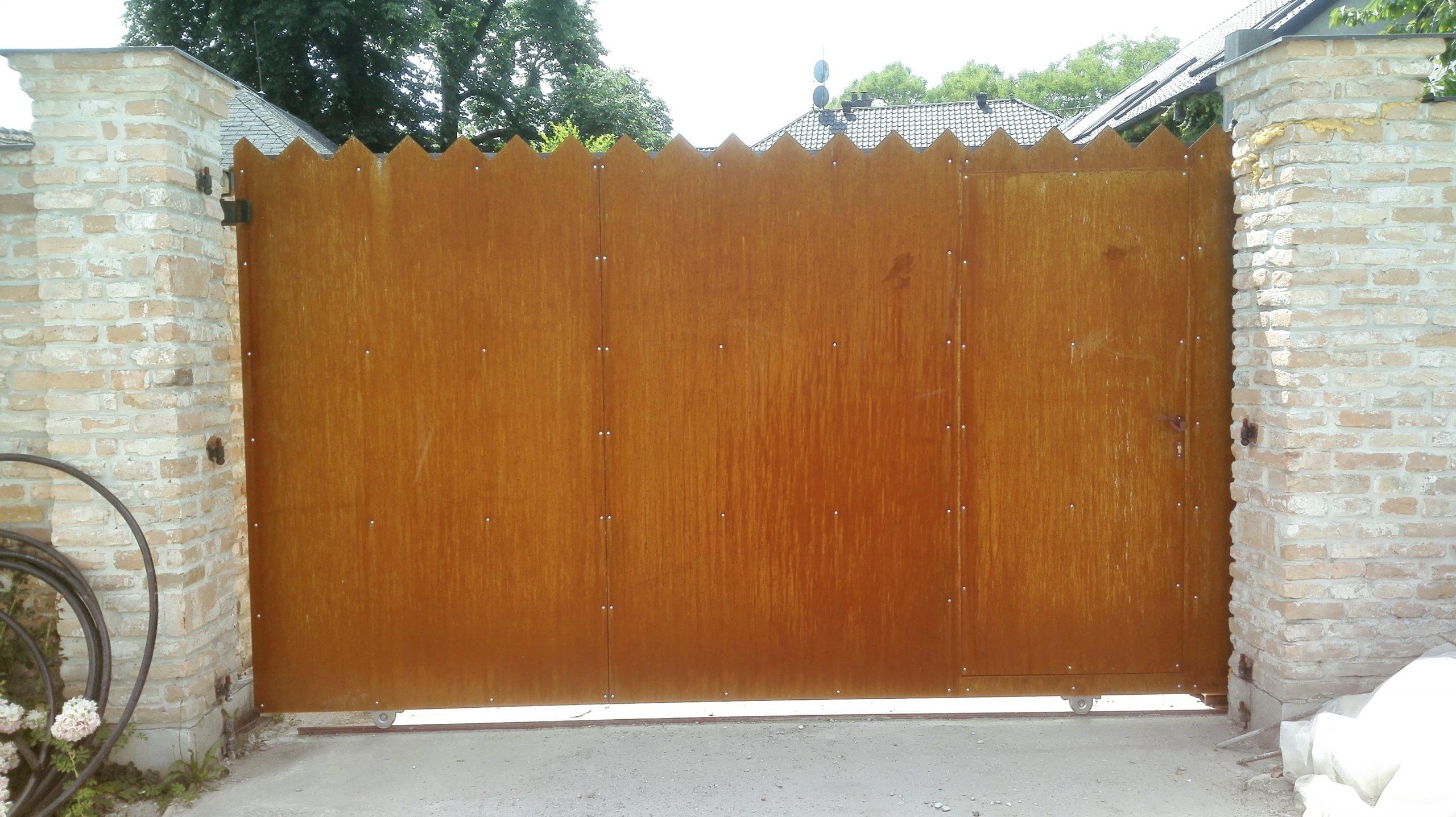 Posuvná brána, Veľké Úľany