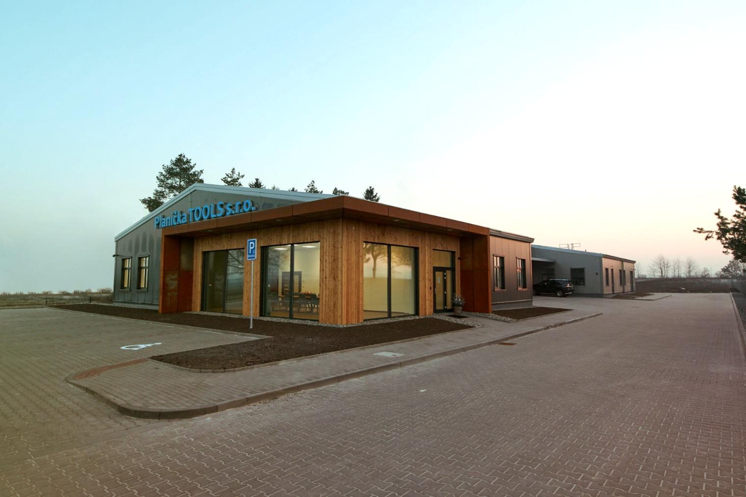 Administratívna budova,  Lutín ČR