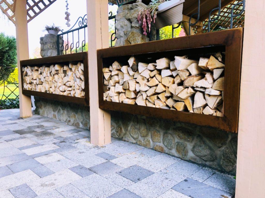 zavesne corten zasobniky dreva