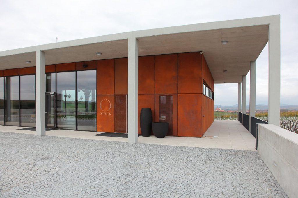 hrdzava corten fasada